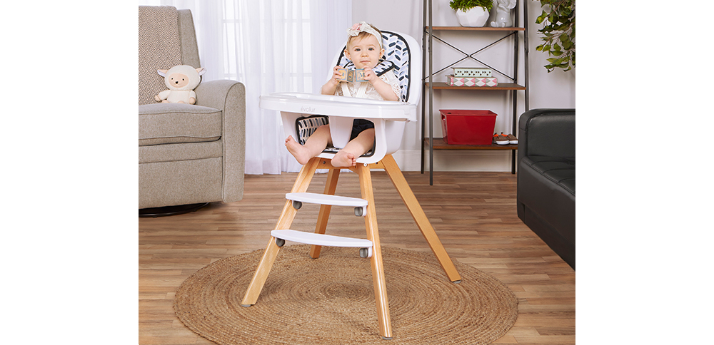 254-MW Zoodle 3-in-1 High Chair Room Shot 02